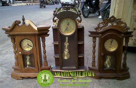 Jam Dinding Ukir Kayu Jati jual almari jam hias bandul kayu jati minimalis nagafurniturejepara