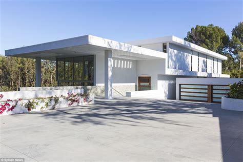What Is A Motor Court Garage by Z And Beyonce Paid 200k For One Month Stay In Bel Air