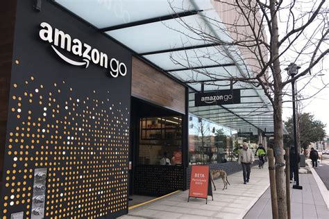 amazon bookstore amazon plans to sell beer and wine at its new high tech