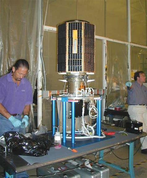Raket Genesis mek starty raket v roce 2001
