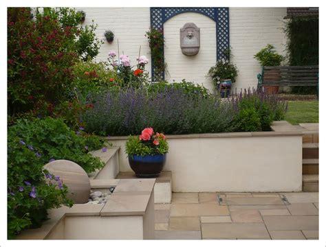 Rendered Garden Walls Modern Garden Wall Inspiring Courtyard Garden Design In