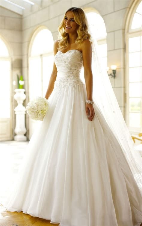 Classic Wedding Dresses by Classic Wedding Dresses For A Traditional Ceremony