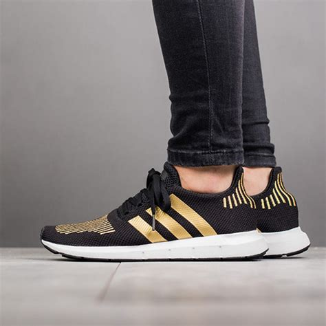 Sandal Jempol Mr73 Hitam 15 s shoes sneakers adidas originals run w cg4145 best shoes sneakerstudio