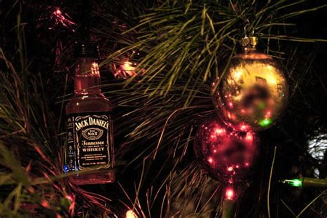 rum bottle xmas tree diy gifts for enthusiasts in america