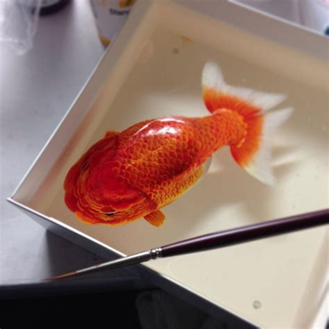 acrylic painting and resin artist creates like animal sculptures with
