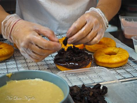 Collata Donat Glaze glazed made doughnuts not quite nigella
