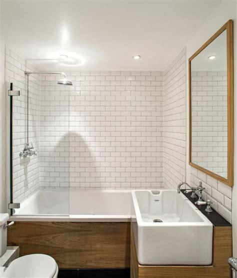 si鑒e de bain les 25 meilleures id 233 es concernant carrelage de baignoire