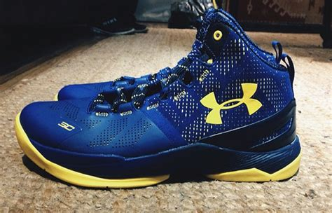 Schuhe Stephen Curry 2015 Schuhe Armour Curry 3 C 163 167 of course there s a dub nation armour curry 2