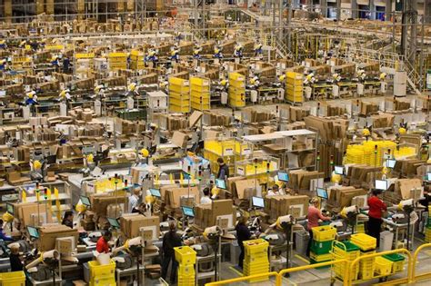 show  insanely busy amazon warehouses