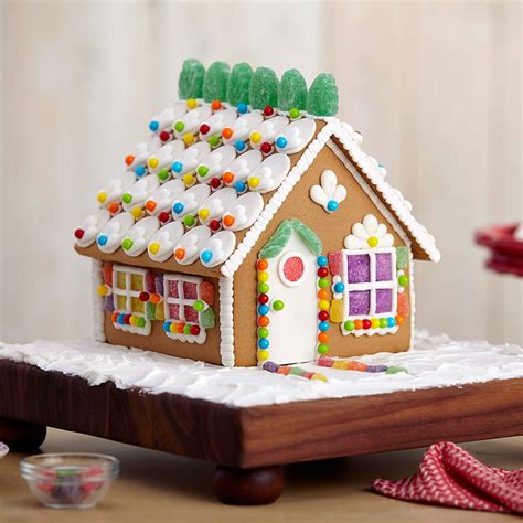 gingerbread home decor welcome to cute gingerbread house 3 wilton