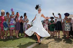melbourne cup s oaks day sees women frock up daily mail online
