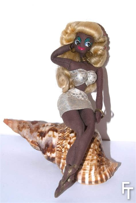 Miss Eye Modern Doll Black 182mm Softlens fondation tanagra mode culture bild lilli and the