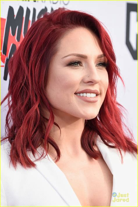 sharna burgess hair color sharna burgess steps out for iheartradio awards with