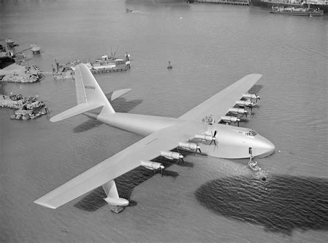 howard hughes and his flying boat inventions - Flying Boat Hughes Aircraft