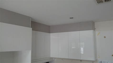 Square Set Cornice finishing a new kitchen with square set small plastering