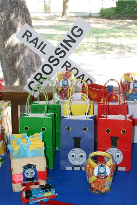 birthday party decorations photograph katabolic designs bl 139 best images about thomas the tank engine birthday with