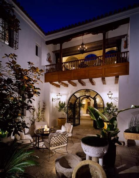spanish style homes with interior courtyards best 25 pacific palisades ideas on pinterest