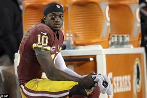why did rg3 get benched robert griffin iii outrage as redskins coach kept star