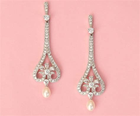 Strass Ohrringe Hochzeit by Rhinestone And Pearl Wedding Earrings Bitsy