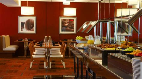 comfort restaurant restaurant by lax four points by sheraton los angeles