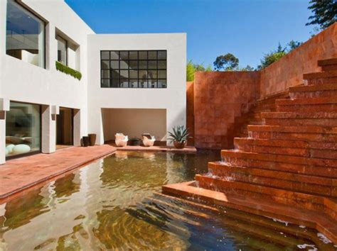luis barragan house luis barragan fountain at contemporary house in los angeles cbell divertimento luis