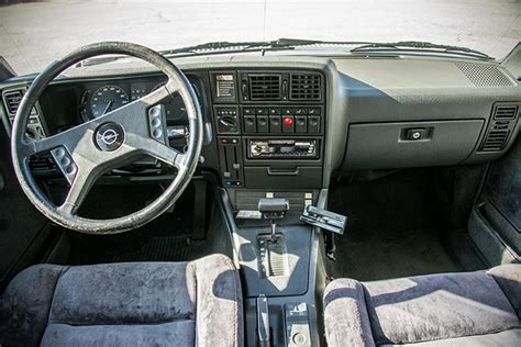 Opel Rekord Interior Image 25