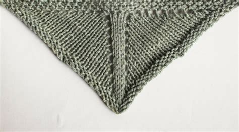 how to knit a triangle shawl for beginners how to knit triangle shawls triangle shawl design