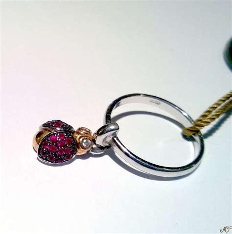 coccinella pomellato anello cuore pomellato anello in oro bianco con smeraldo