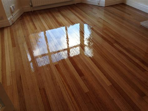 sealing hardwood floors sealing and varnishing wood floors