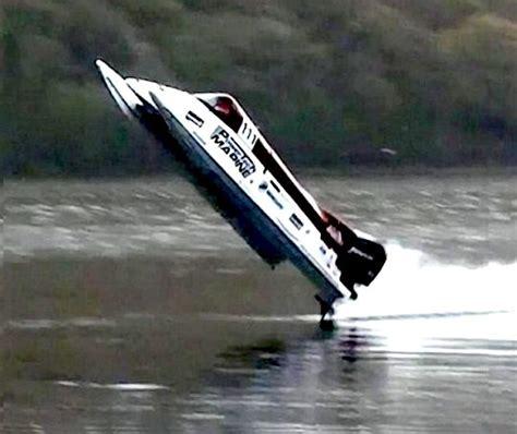 jet boat racing keith across the lake