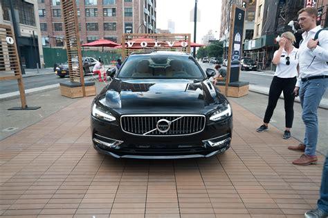 volvo opens  york city pop  store carrrs auto portal