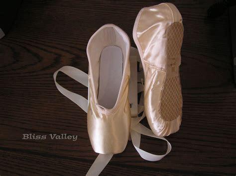 10 Best Ballet Shoes by New Satin Ballet Pointe Shoes Children Sz 10m 11m 12m 12