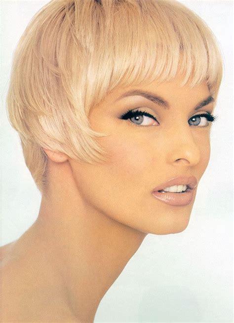 supermodels with short hair 15 best linda evangelista images on pinterest faces