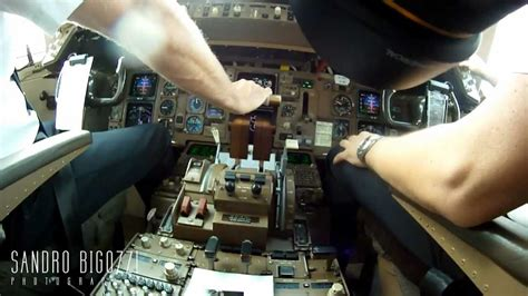 cabina di pilotaggio airbus a380 inside boeing 777 mp4 cabina di pilotaggio