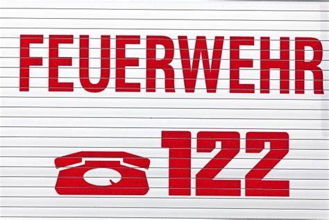 Feuerwehr Aufkleber Auto österreich by Itzling Container Auf Firmengel 228 Nde Brennt Salzburg24 At