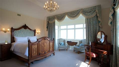 neil s room manor house feature room at highbullen