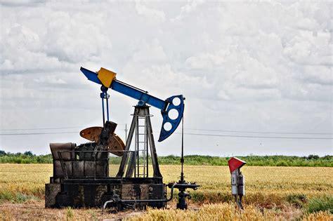 invoice factoring  oil  gas companies