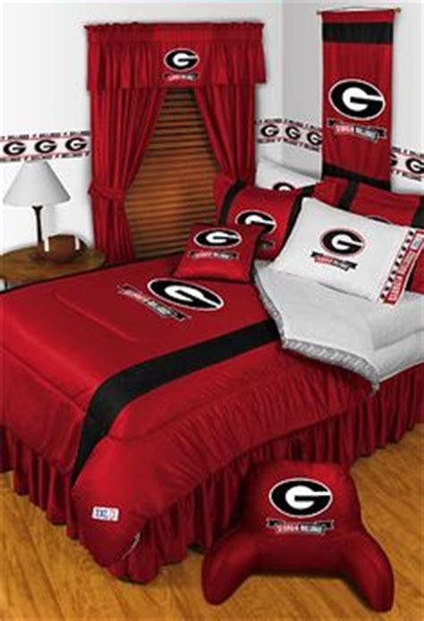 bulldogs comforter set 1000 ideas about bulldog room on