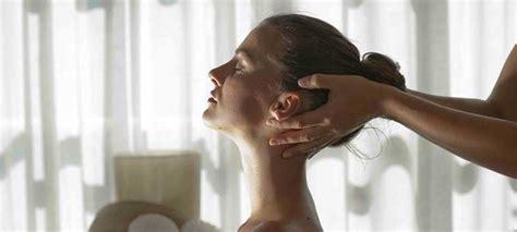 nackenschmerzen nach schlaf home einfach gesund schlafen das schlaf magazin