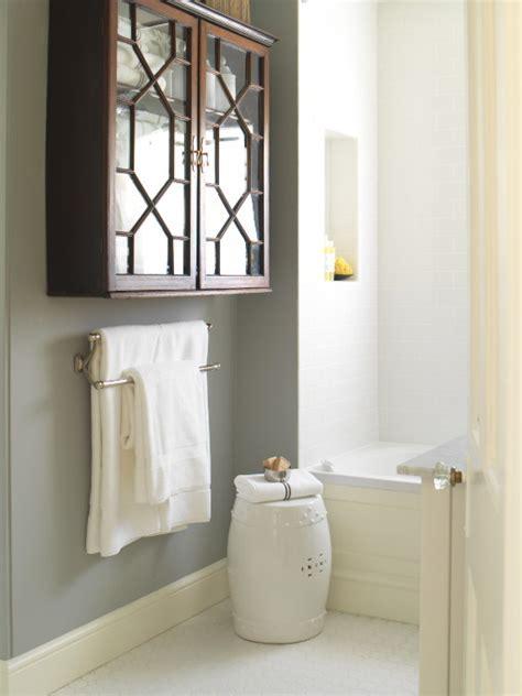 grey walls in bathroom gray walls cottage bathroom farrow ball l room