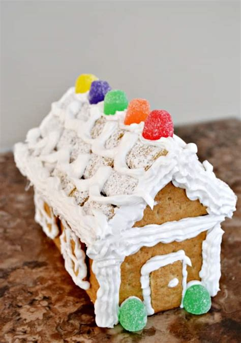 Gingerbread House Icing Recipe by Peanut Butter Graham Sandwiches