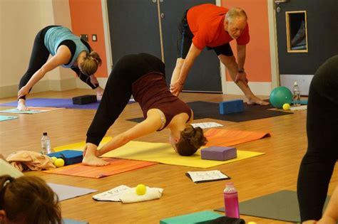 yoga class tutorial yoga basics yoga course for beginners in lowford