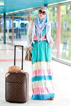 Bow Skirt Silk Dian Pelangi day 2 in hong kong heading to appointment wearing ikat skirt dianpelangicom and satin scarf