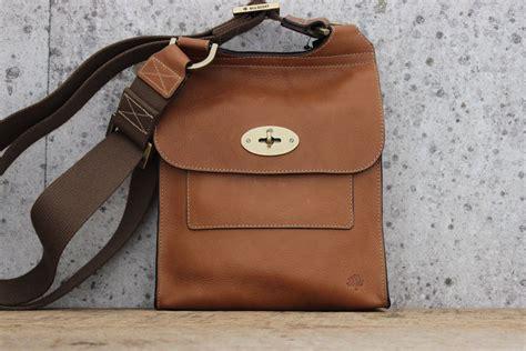 An It Bag by Mulberry Oak Antony Messenger Bag