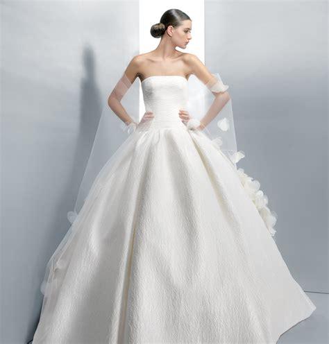 imagenes de vestidos de novia extravagantes vestidos de boda sencillos