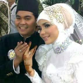 Gambar Jilbab Pengantin inspirasi model jilbab pengantin cantik modis untuk