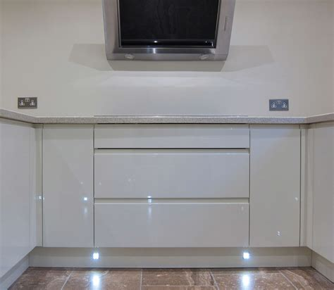 Rimini Handleless Cream Led Plinth Lights Pebble Kitchen Plinth Lights