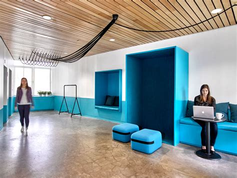 Barrows Office Space Design By Ghislaine Vinas Interiorzine Barrows Office Furniture