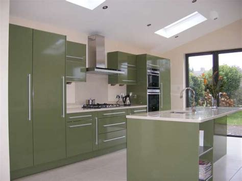 High Gloss Kitchen Cabinet Doors | 4 types of high gloss kitchen cabinet doors modern kitchens