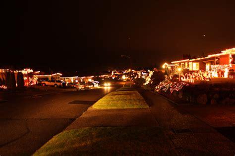 A Photo Tour Of Ballard Christmas Lights My Ballard Olympic Manor Lights